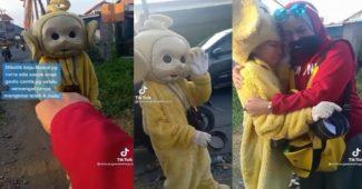 Tangis Gadis Di Balik Kostum Badut, Bertahan Mencari Uang Meskipun Diolok-olok