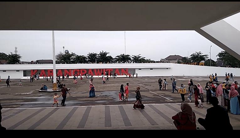 Keramaian Massa di Lapangan Karangpawitan, Satgas Lakukan pemblokiran